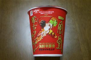 「海鮮辛豚骨」カップ麺